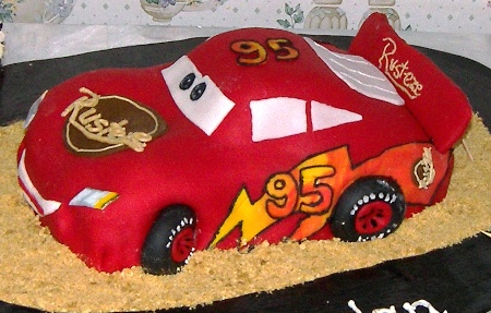 lightening mcqueen cake 2011