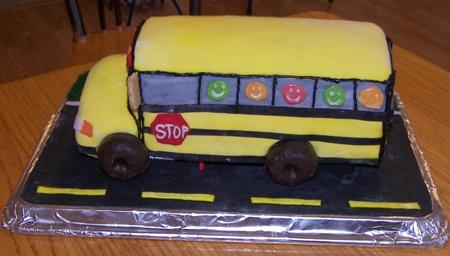 school-bus-cake4.jpg