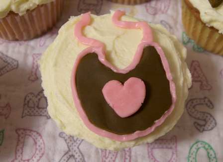 cupcakes-bib.jpg