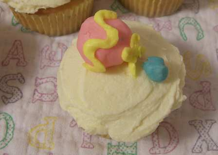 cupcakes-rattle.jpg