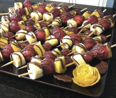 chocolate drizzled fruit kabobs1
