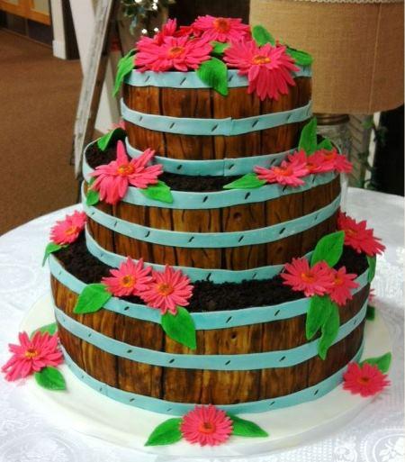 wooden basket daisy cake