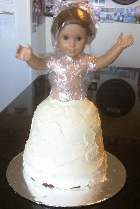 american girl doll cake2